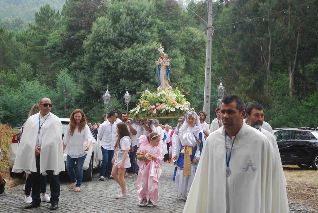 AMARES – Centenas sobem ao alto da Senhora da Paz