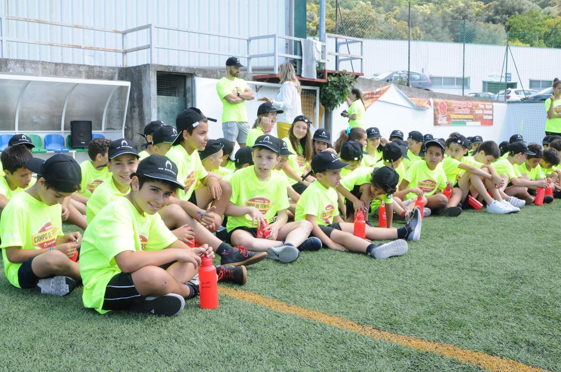 Campo Férias HO Soccer  com 75 crianças