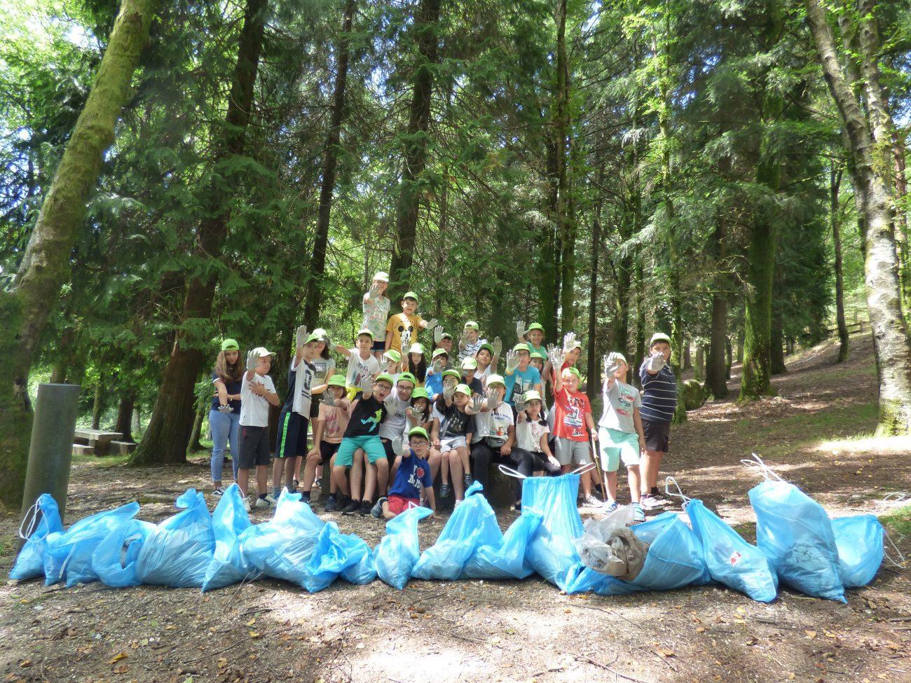 AMARES - Acção de Limpeza no Parque dos Quatro Caminhos em Amares