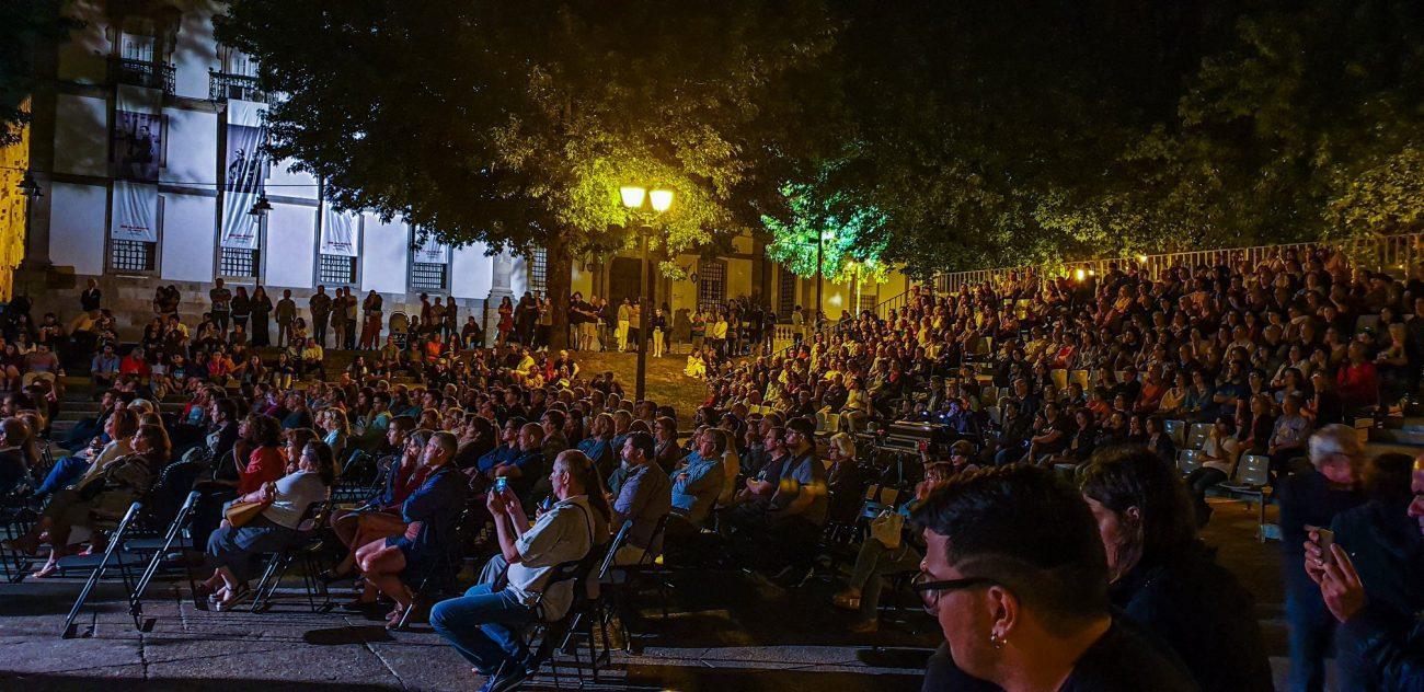 BRAGA - Orquestra Filarmónica de Braga levou 'Danças do Mundo' à praça do Município