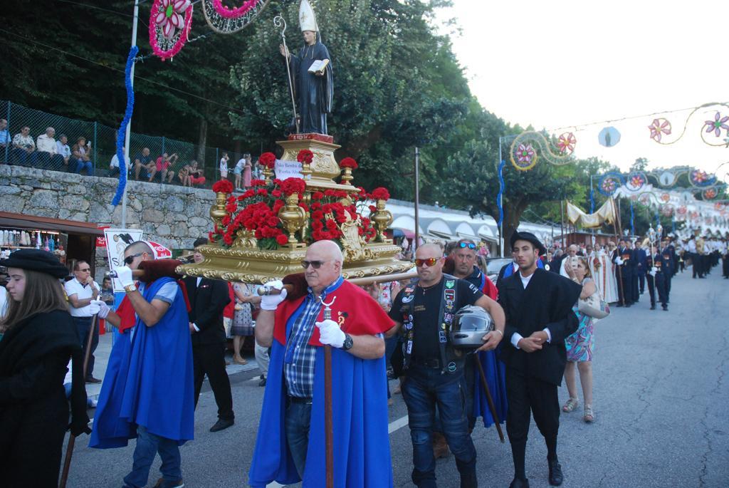 TERRAS DE BOURO – Procissão marcou dia maior da Romaria a São Bento da Porta Aberta