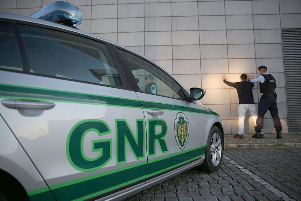 JUSTIÇA – Burlão apanhado em Esposende para cumprir pena de 11 anos de prisão