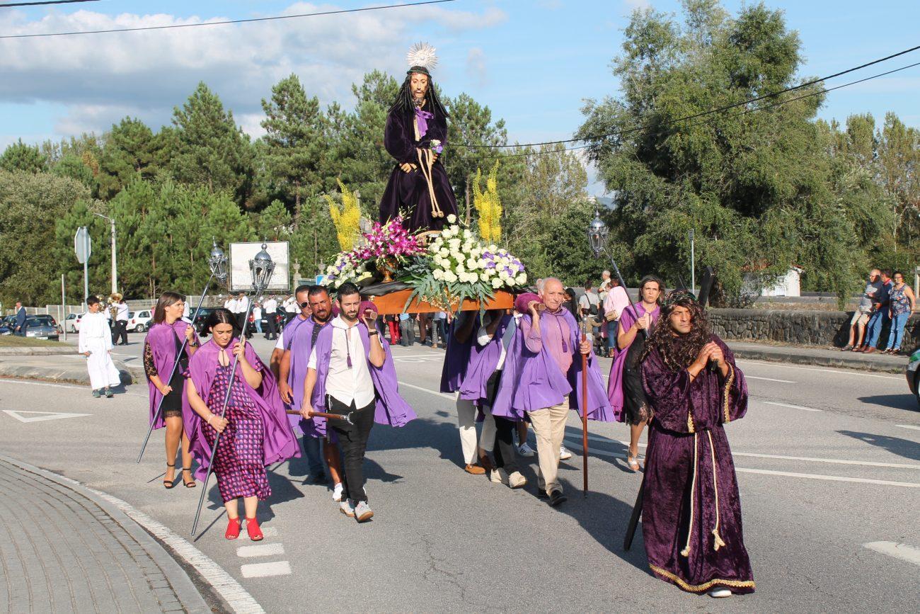 CARRAZEDO - Procissão em honra do Senhor da Piedade deu outro encanto às festas de Carrazedo