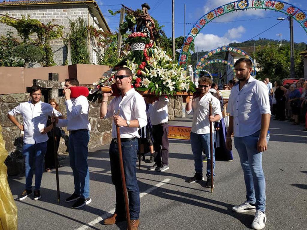 TERRAS DE BOURO – Procissão deu e cor e brilho às festas de São Roque em Souto