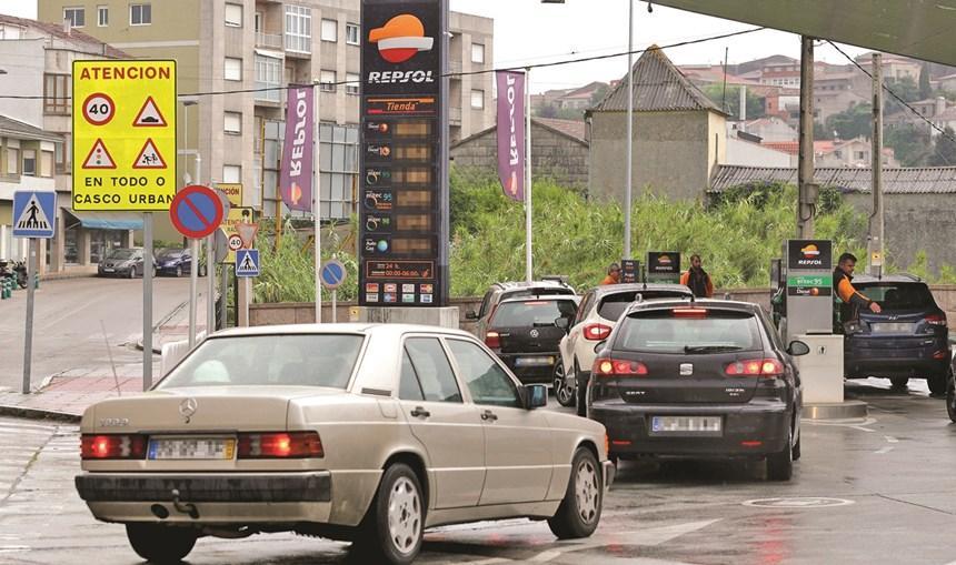 PAÍS – Greve dos motoristas já provoca filas para abastecer em Espanha