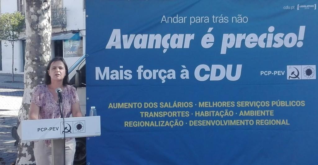 LEGISLATIVAS – Comunista Carla Cruz quer residências universitárias ainda para este ano lectivo