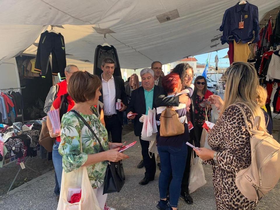 LEGISLATIVAS - PS contactou com população na feira semanal de Amares