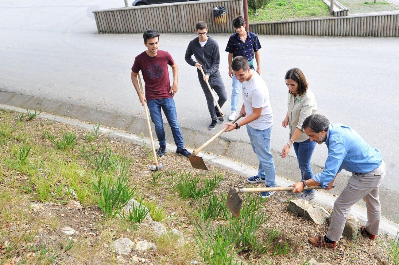 BRAGA - Futuros gestores da UMinho limpam Monte Picoto