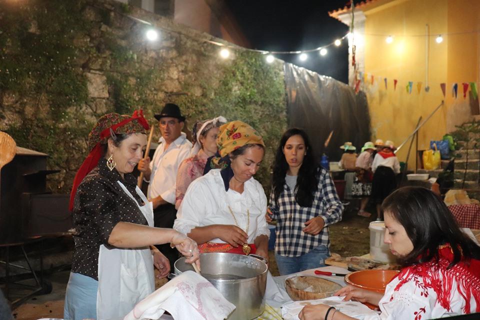 AMARES –  Arraial juntou comunidade em Bouro Santa Marta
