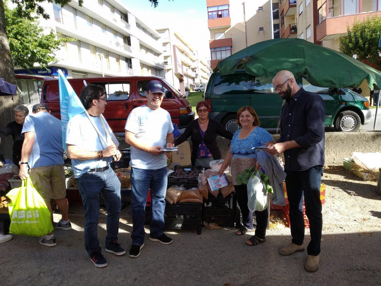 LEGISLATIVAS - Aliança apresentou medidas na feira semanal de Amares