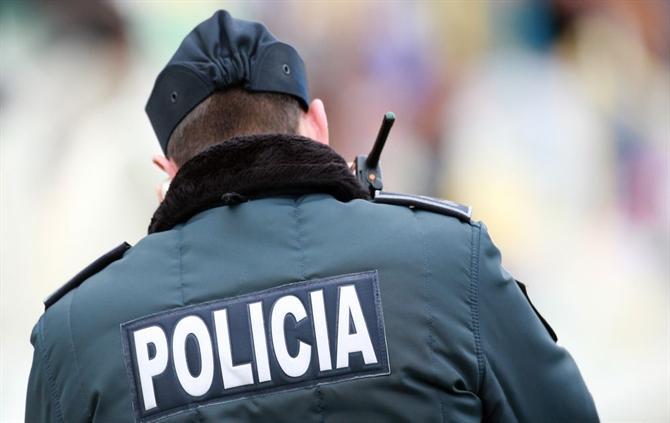 """REGIÃO – PSP de Guimarães dá """"machadada"""" na onda de assaltos em Azurém com detenção de suspeito"""