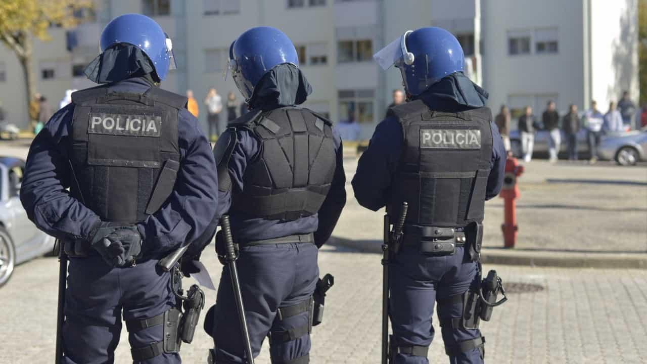 NACIONAL - Governo anuncia pagamento faseado de retroativos nas forças de segurança