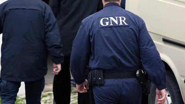 REGIÃO – GNR detém cinco pessoas por suspeita de furtos em casas