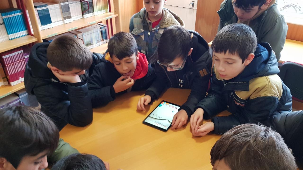 """TERRAS DE BOURO – Alunos do Agrupamento de Escolas de Terras de Bouro recebem """"tablets"""""""