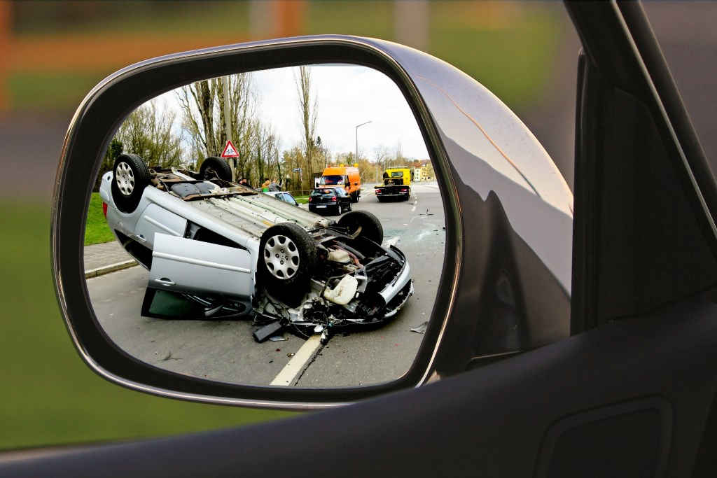 5 Reasons to Hire a Personal Injury Lawyer After An Accident