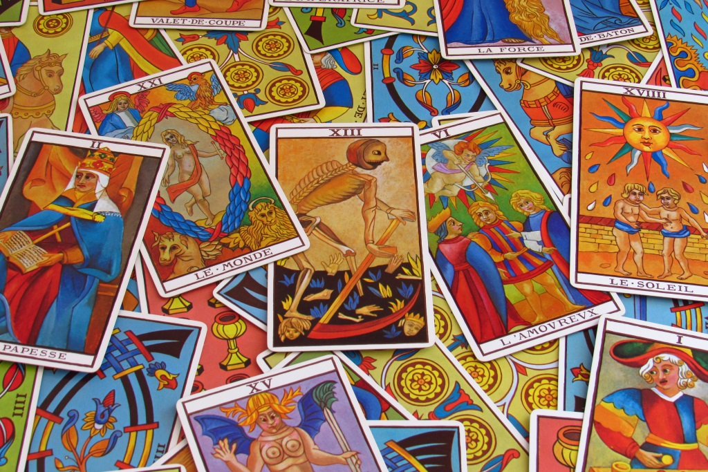 Tarot as alternative anxiety therapy