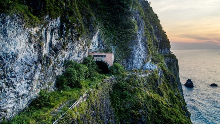 feature-news-taiwan-qing-road-