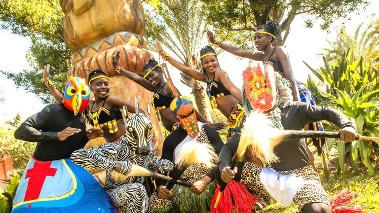 feature-ciao-travel-african-mask-performance-festival