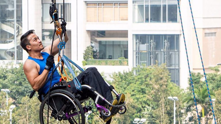 feature-news-hongkong-wheelchair-climber