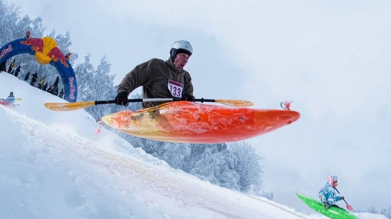feature-outdoor-extreme sport-snow-kayaking