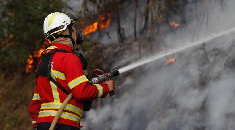 INCÊNDIOSIncêndio em zona de mato em Aboim da Nóbrega