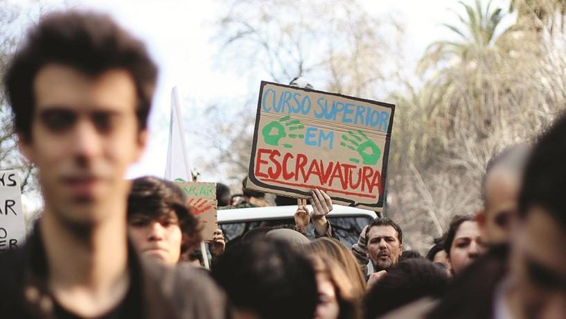 DADOS DO IEFPEm Portugal, há mais de 160 mil jovens que não estudam nem trabalham