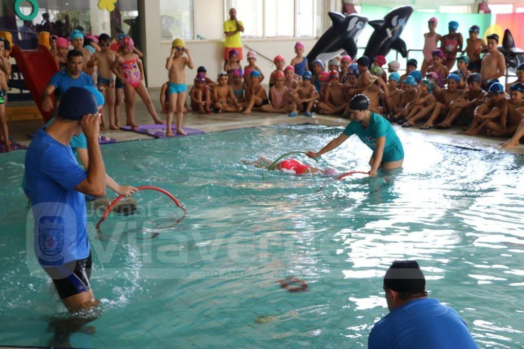 """VILA VERDE - Curso de Verão da escola de natação """"Heróis do Mar"""" promoveu festa de encerramento esta manhã"""