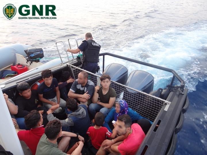 INTERNACIONAL –  GNR resgata e auxilia 67 migrantes na Grécia