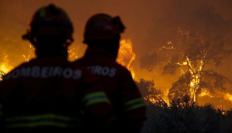 VILA VERDE - Incêndio em fase de rescaldo no Monte de São Julião