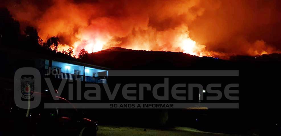 Vade é o mais preocupante - Mais de 300 homens combatem incêndios no concelho de Vila Verde com apoio de cinco meios aéreos