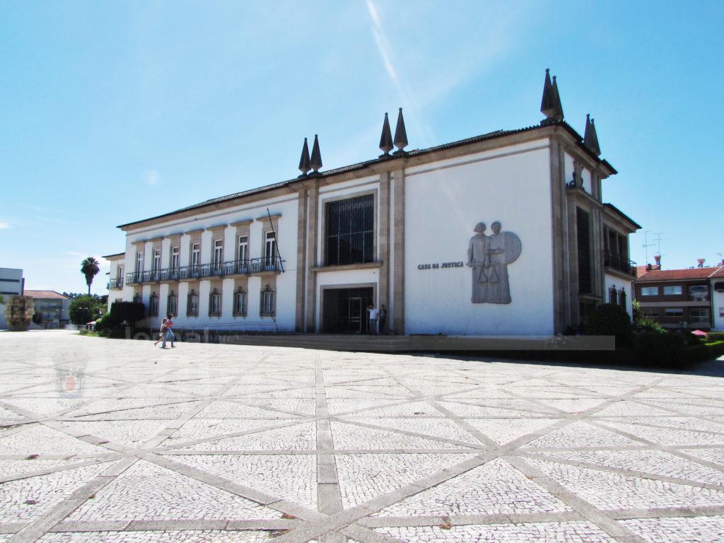 Decisão do Tribunal de Vila Verde - Presidente da Assembleia de Freguesia de Cabanelas condenado a três anos de prisão com pena suspensa por violência doméstica