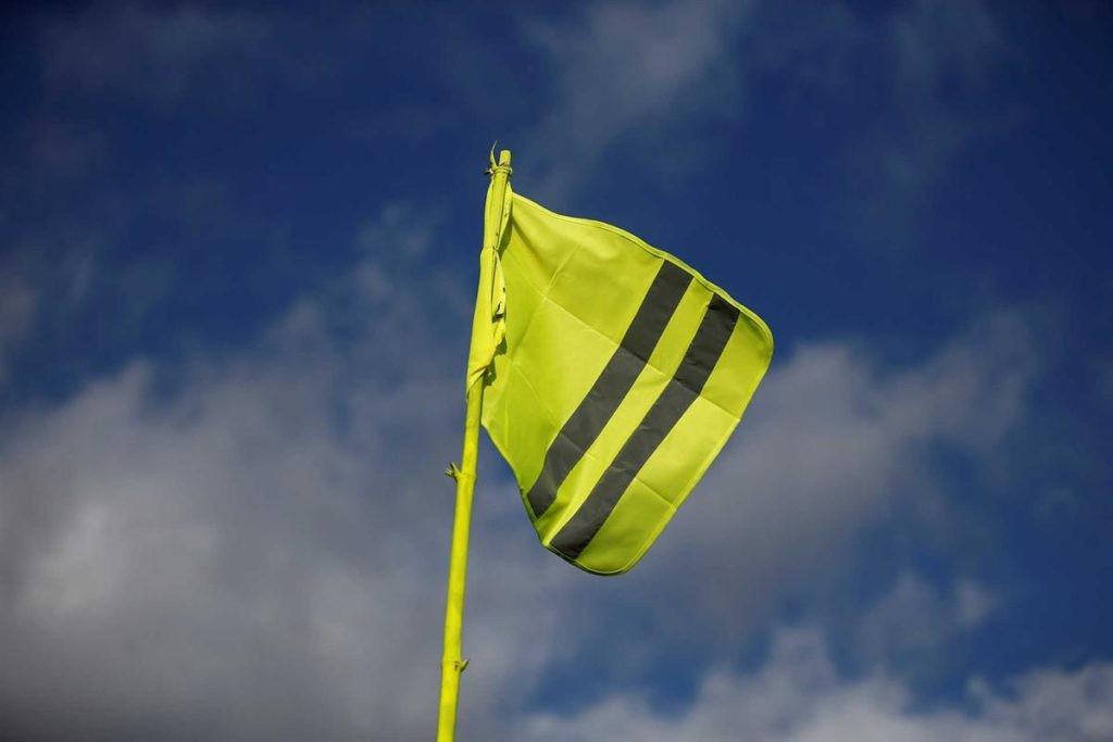 BRAGA –  Coletes Amarelos concentram-se no Nó de Infias para exigir salário mínimo de 700 euros e menos impostos