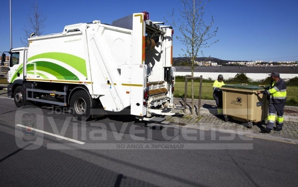 VILA VERDE (Cidadão de Moure agradece atitude): Carteira com dinheiro e documentos devolvida por equipa de recolha de lixo