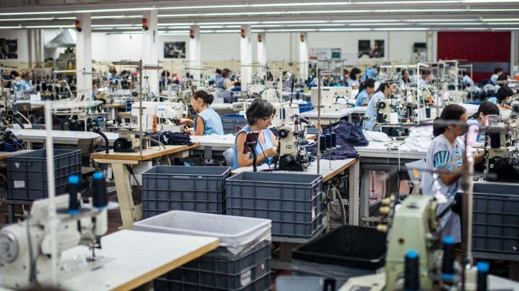 PAÍS –  Carla Cruz (PCP) apela ao Governo para inverter «situação gravosa» do sector têxtil