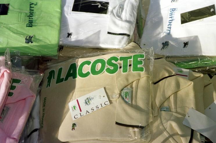 CRIME –  GNR desmantela mega rede de contrafacção de vestuário e calçado com ramificações em Braga