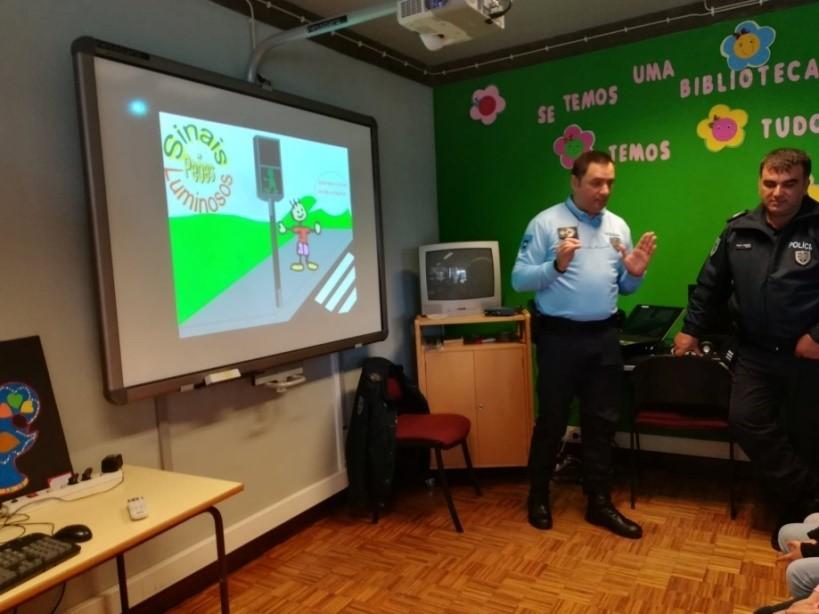 """REGIÃO –  Projecto """"Open B"""" dinamizou acção sobre bullying e cyberbullying"""