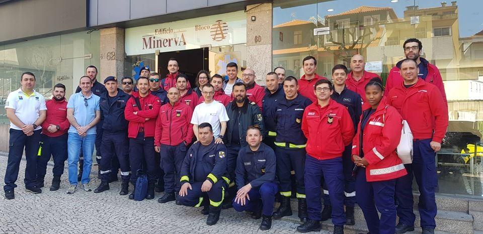 VILA VERDE –  Bombeiros actualizam conhecimentos de tripulante de ambulância de socorro