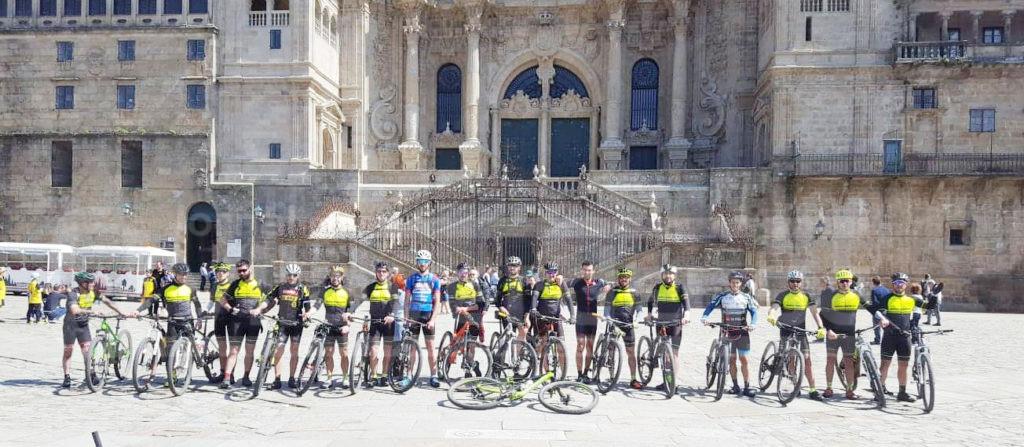 """LOUREIRA (Vila Verde): """"Berdadeiros TT"""" percorreram 190 kms pelos Caminhos de Santiago de Compostela"""