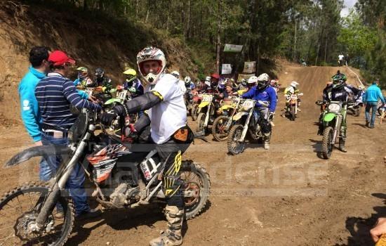 """DESPORTO E LAZER - Motores já aquecem no Pico de Regalados. Prova de """"Motocross e Quadcross"""" no dia 25 de Abril"""