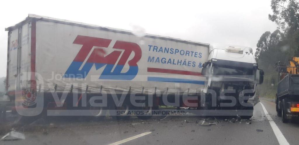 ÚLTIMA HORA - Despiste de camião condiciona trânsito na A3