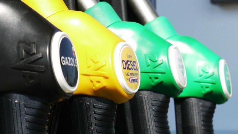 NACIONAL - Virou rotina. Preço dos combustíveis volta a subir esta segunda-feira