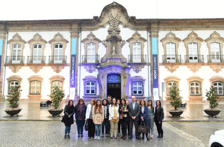 BRAGA – Cordão Humano encerra em Braga o 'Mês Azul'