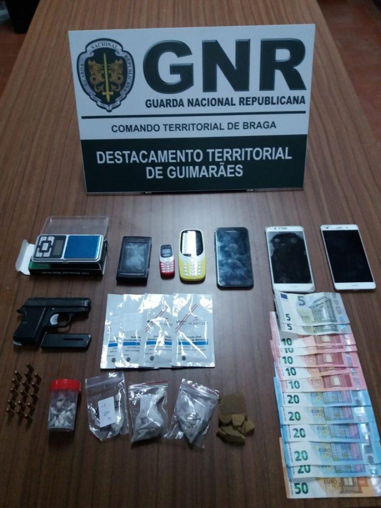 CRIME - GNR desmantelou rede de tráfico de estupefacientes em Guimarães