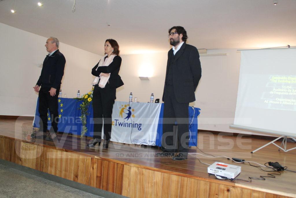 VILA VERDE - Professores do Agrupamento de Escolas de Moure e Ribeira do Neiva partilharam experiências tidas no estrangeiro