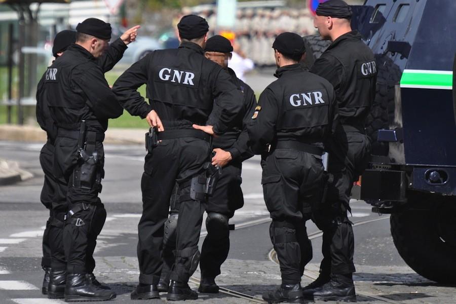 REGIÃO - GNR apreende 11 armas e mais de 1.700 munições em Viana do Castelo