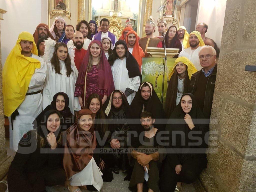 """VADE (Atães):Jovens e mordomos recriaram """"Via Sacra"""""""
