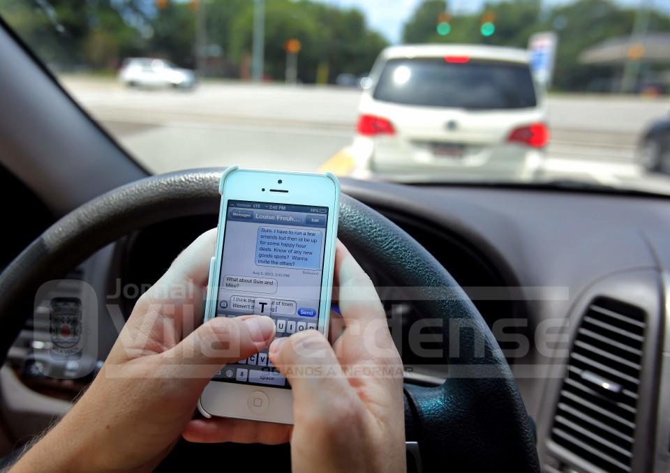 ACTIVIDADE OPERACIONAL - GNR 'apanha' 39 condutores ao telemóvel em 12 horas