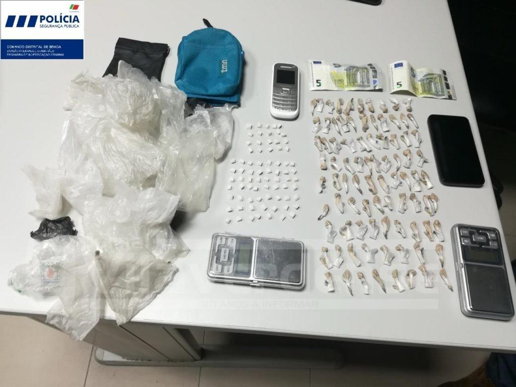CRIME - PSP de Guimarães detém dois suspeitos de tráfico na posse de 270 doses de drogas duras
