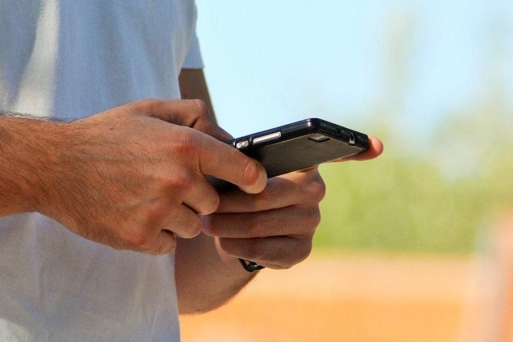 EUROPA – Chamadas e SMS mais baratas na UE a partir desta quarta-feira