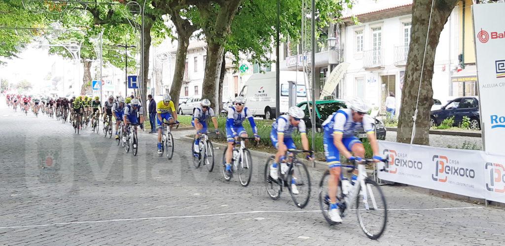 DESPORTO (Região) - 1ª Etapa do Grande Prémio JN teve meta-volante em Vila Verde
